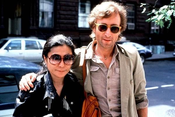 The Beatles' John Lennon shot and killed in New York (1980)