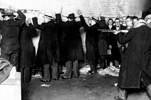Chicago gang kills six: The St Valentine's Day Massacre (1929)