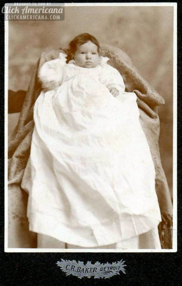 cabinet-card-baby-detroit