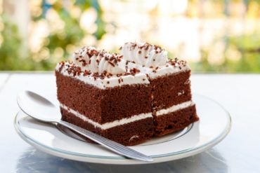 Cakes made with mashed potatoes: Caramel, chocolate & spice