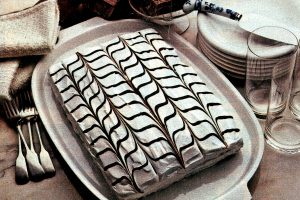 A chocolate & vanilla pretty party cake (1982)