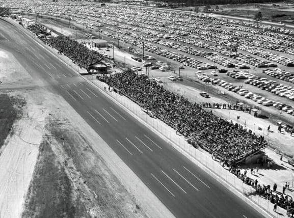 Speed weeks: 60-car field in Daytona 500 (1959)
