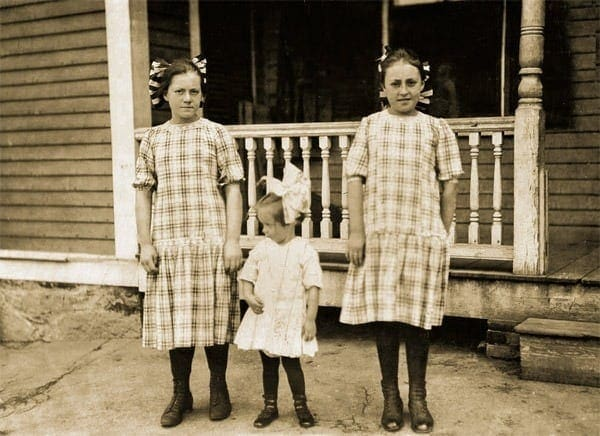 http://clickamericana.com/wp-content/uploads/deon-sisters-mass-1911.jpg