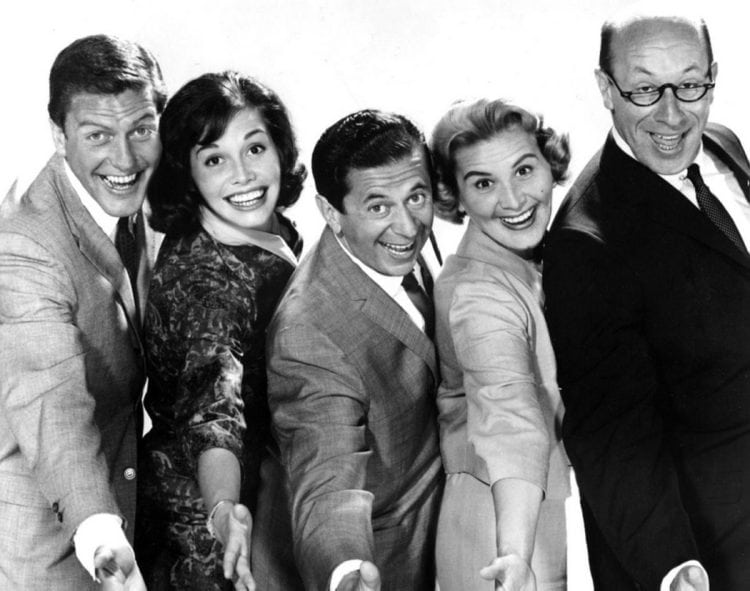 Dick Van Dyke (Rob Petrie), Mary Tyler Moore (Laura Petrie), Morey Amsterdam (Buddy Sorrell), Rose Marie (Sally Rogers) and Richard Deacon (Mel Cooley)