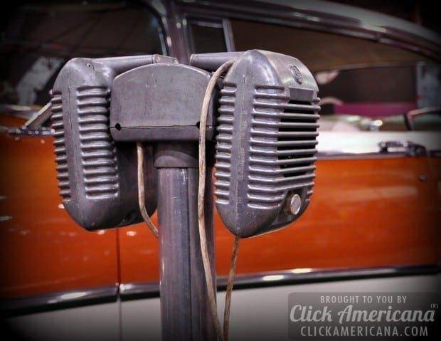 drive-in-theatre-speaker-car