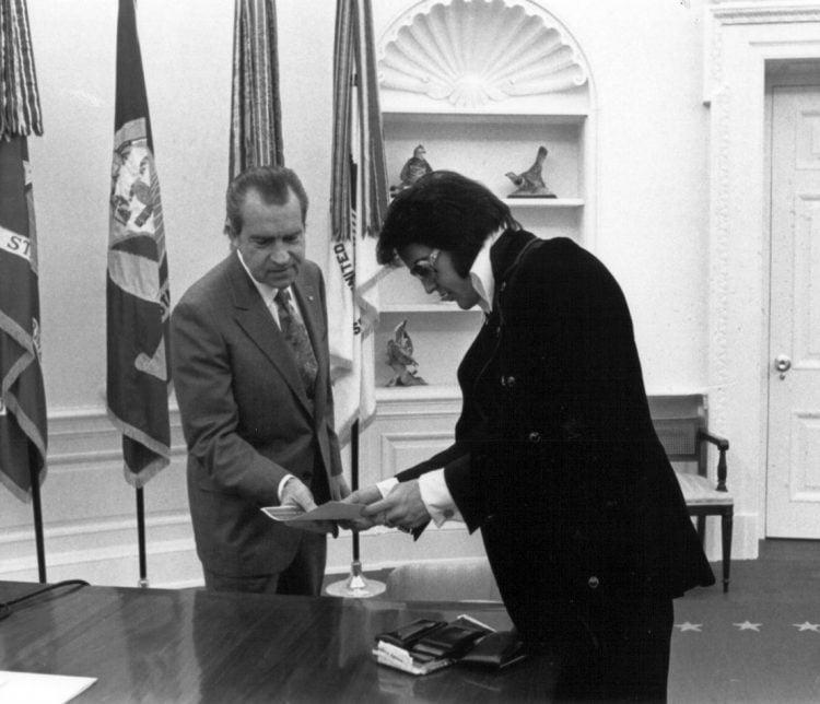 Elvis Presley meets Richard Nixon - 1970