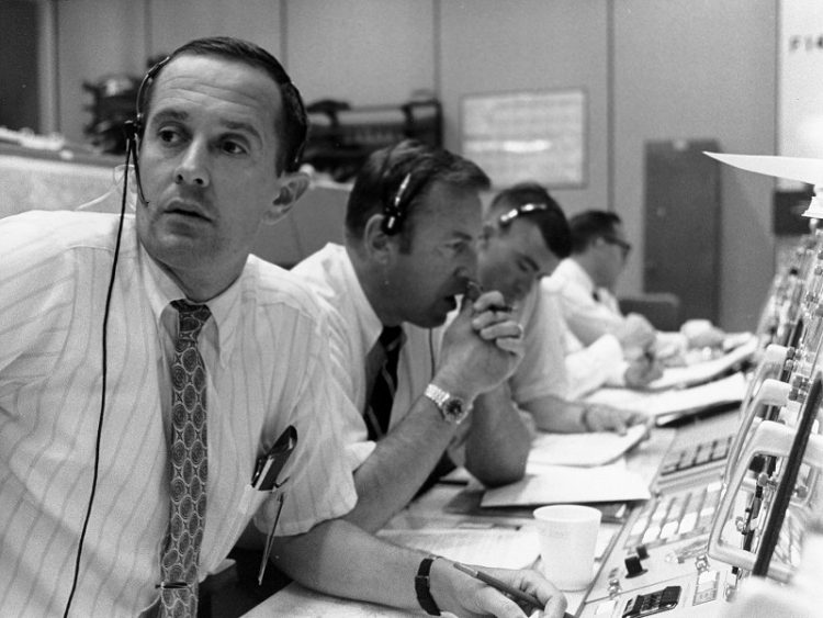 Flight controllers during lunar module descent - moon landing