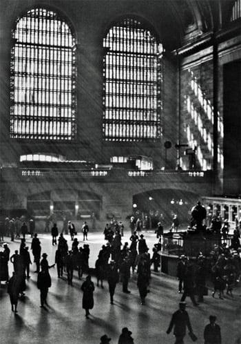 Train station etiquette (1921)