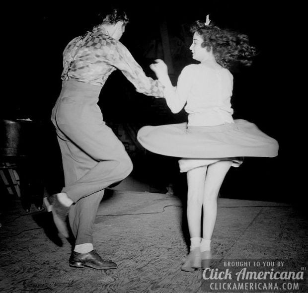 Hep cats dance the Lindy Hop & do the Jitterbug jive (1938-1943)