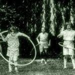 kids-hula-hooping-1958