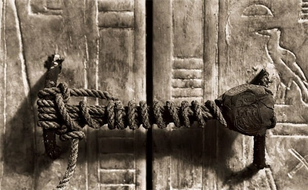 Royal mummy in coffin is new treasure (1923) - Click Americana