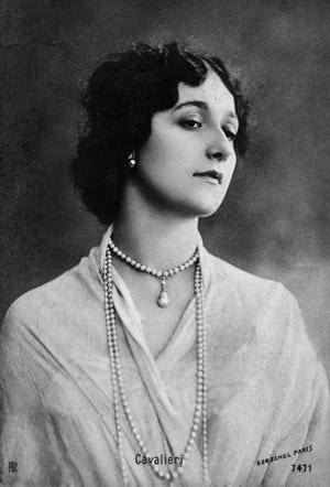 The Secret Of A Beautiful Neck 1918 Click Americana