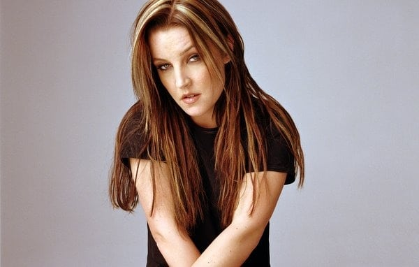 She's figuring it out: Lisa Marie Presley (2005) - Click Americana