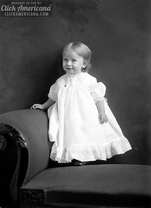 From baby to child: Portraits of a little girl (1915)