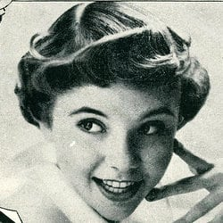 Be a Pin-up girl with the Pin-up Curl! (1956)