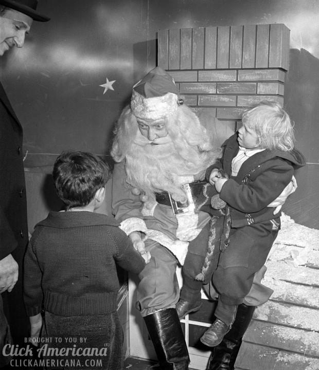 santa-at-macys-1942