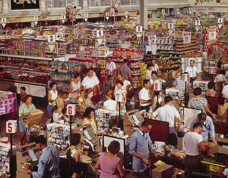 Vintage sixties supermarket scene (1964)