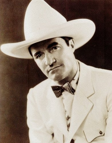 Tom Mix becomes a roping Romeo (1918)
