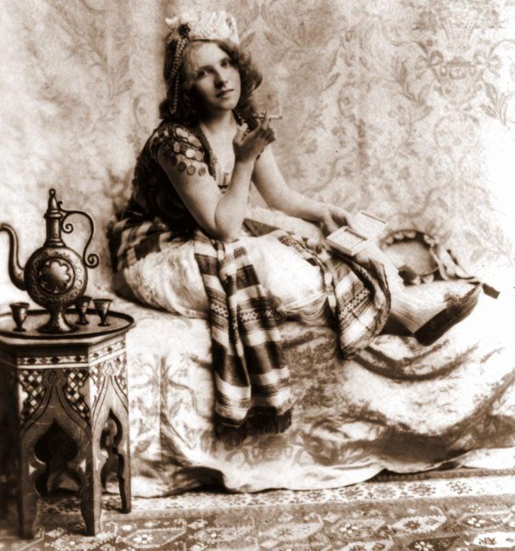 turkish cigarettes - woman smoking 1900