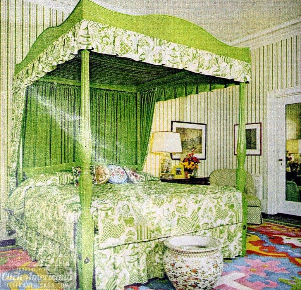 Old-fashioned canopy beds