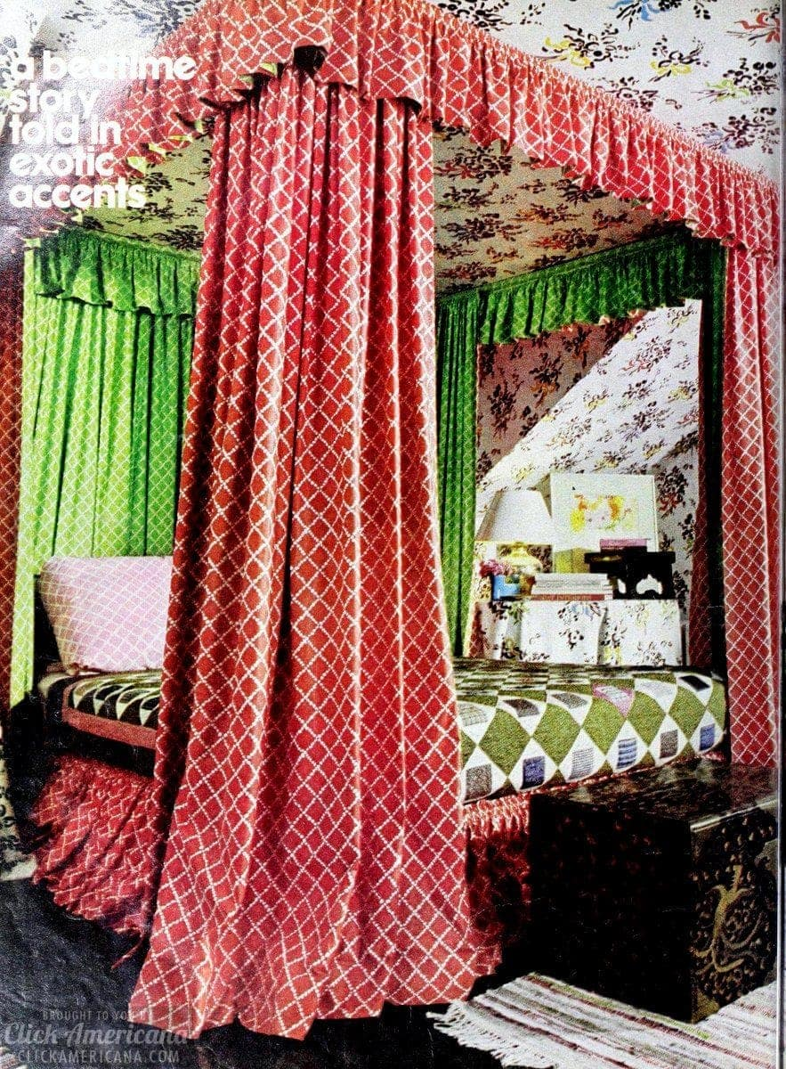 Vintage canopy bed from 1976