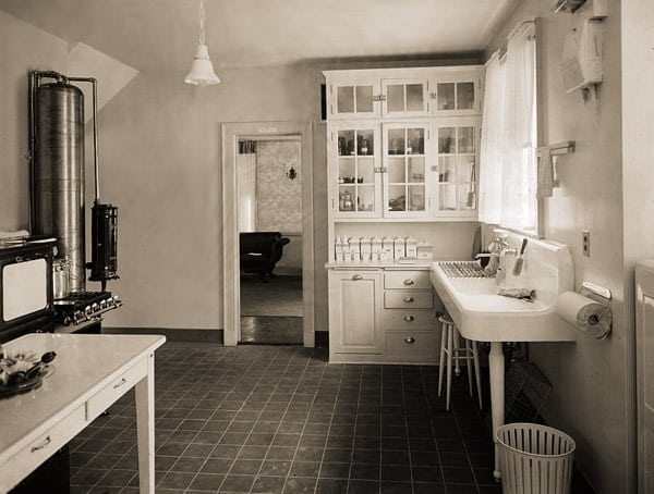 Smart Ways To Outfit The Kitchen 1910 Click Americana