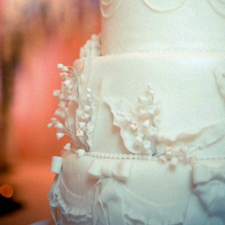 Vintage wedding cake style