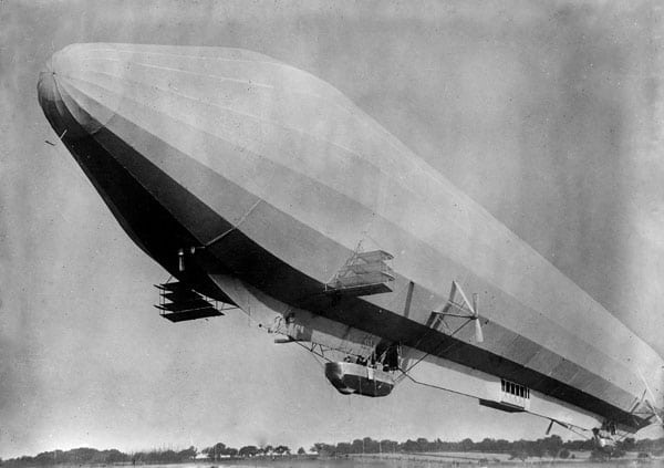 What a Zeppelin is really like (1915)